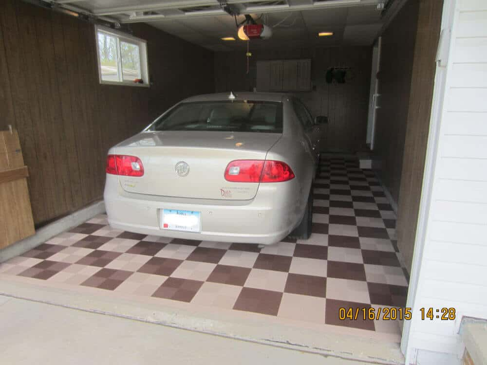Checkered Single Car Garage Floor Tiles
