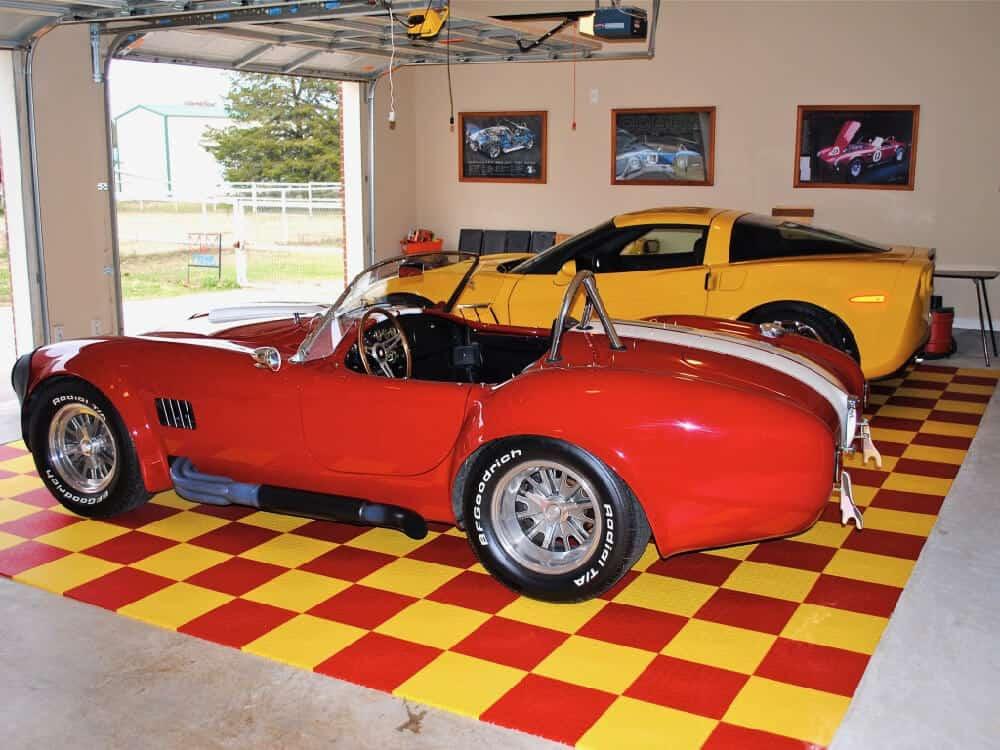 Coin Top Garage Flooring - Corvette ModuTile