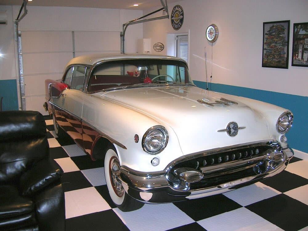 Garage Floor Tiles - Classic Chevy